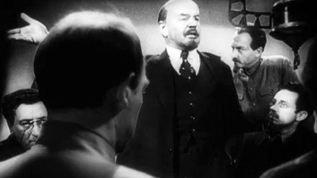 Фильм «Ленин в Октябре» (1937)